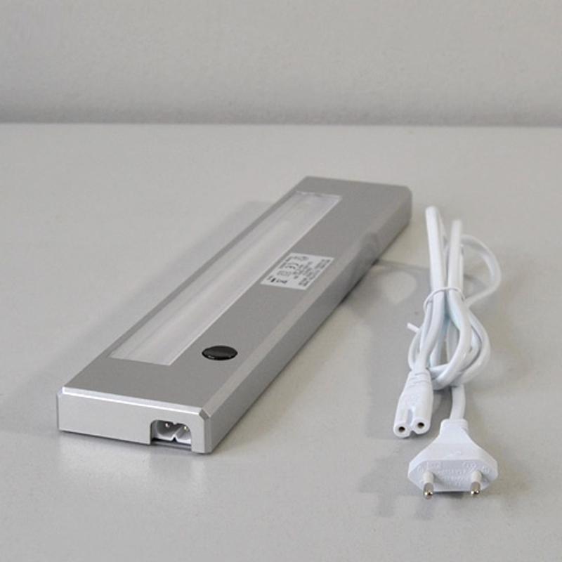 Lampada per sottopensile barra luminosa 2590 014 briloner - Barra led bagno ...